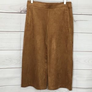 NWT Chico's Faux Suede Wide Leg Crop Size .5
